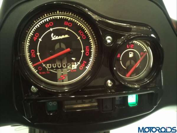 Vespa S dashboard speedometer