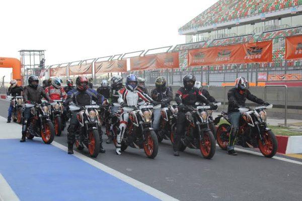 ktm-390-duke-track-day-bic-2