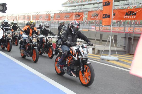 ktm-390-duke-track-day-bic-3