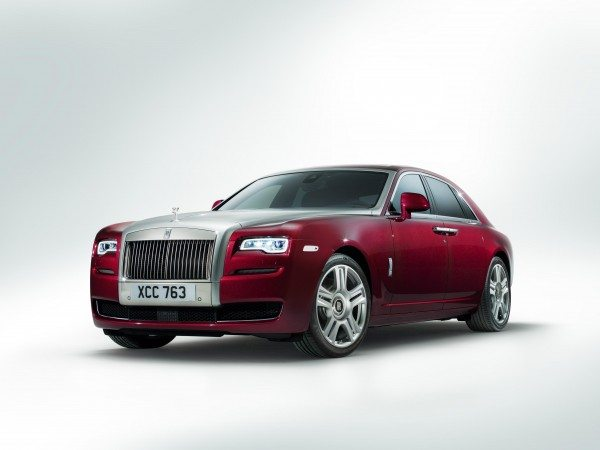 rolls-royce-plug-in-hybrid-images-1