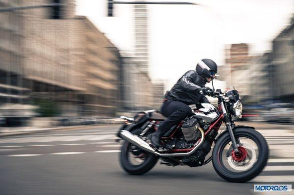 2014 Moto Guzzi V7 (4)
