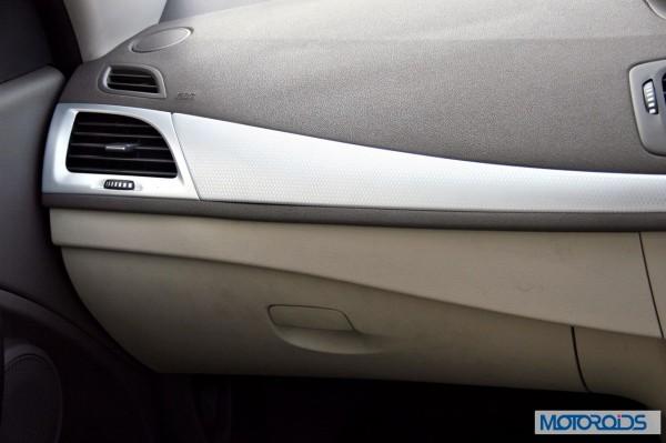 2014 Renault Fluence facelift interior (12)