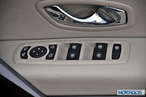 2014 Renault Fluence facelift interior (24)