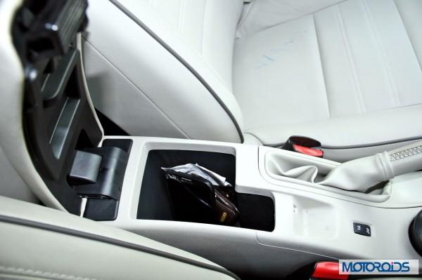 2014 Renault Fluence facelift interior (37)
