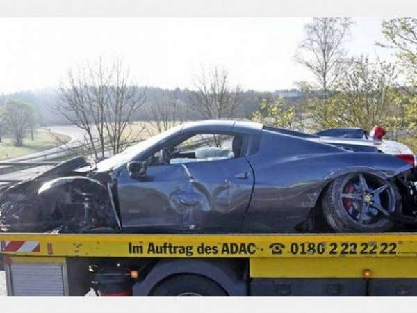 Ferrari-458-Spider-Crash-2