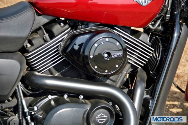 Harley street 750 engine (1)