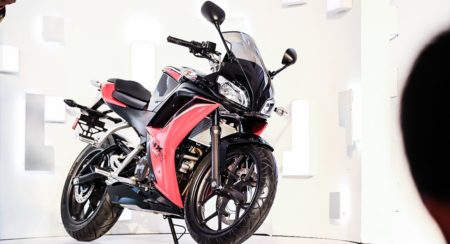 Hero-HX250R-launch-images-details-1