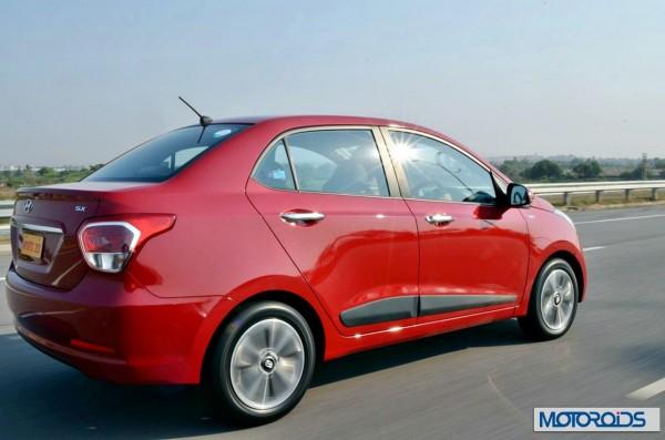 Hyundai Xcent action (1)