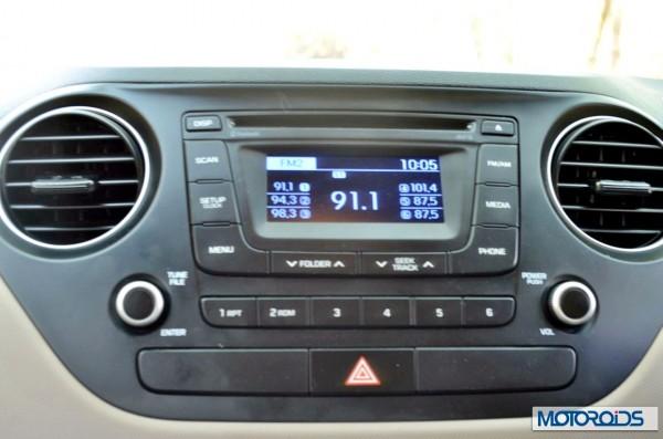 Hyundai Xcent interior (2)