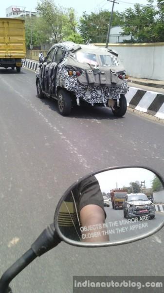 Mahindra-S101-rear