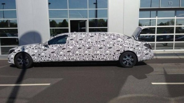 Mercedes-Benz S600 Pullman spied for the first time