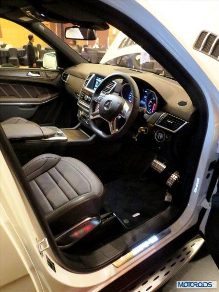 New mercedes GL 63 AMG interior (1)