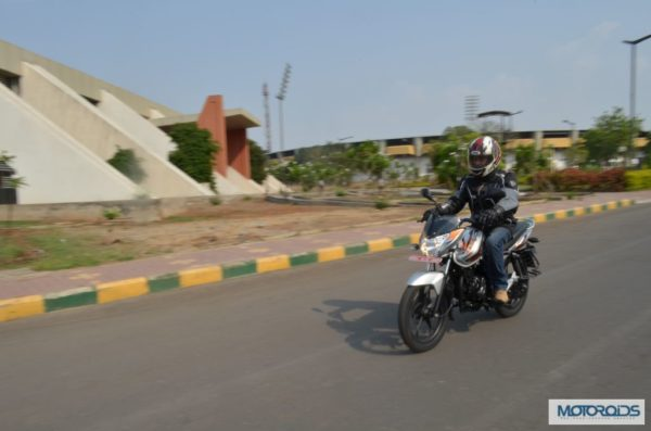 bajaj-discover-125m-review-images-price- (145)