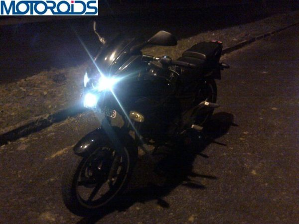 bajaj-pulsar-220-modifications-images (2)