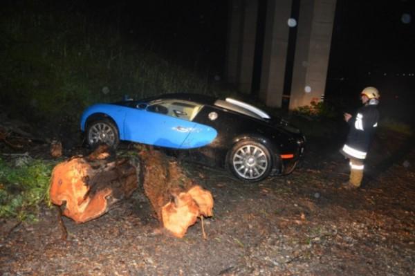 bugatti-veyron-crash-austria (2)