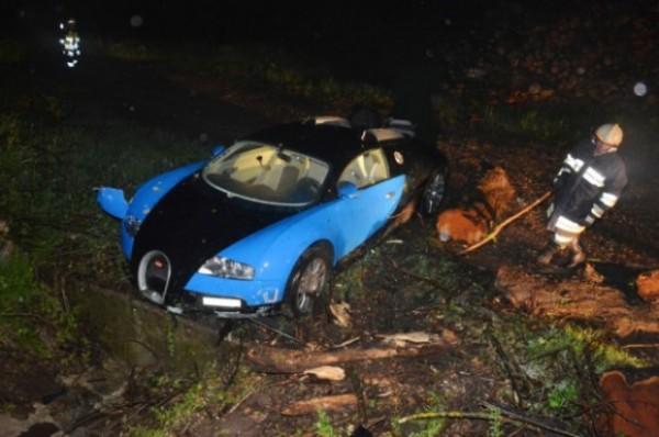 bugatti-veyron-crash-austria