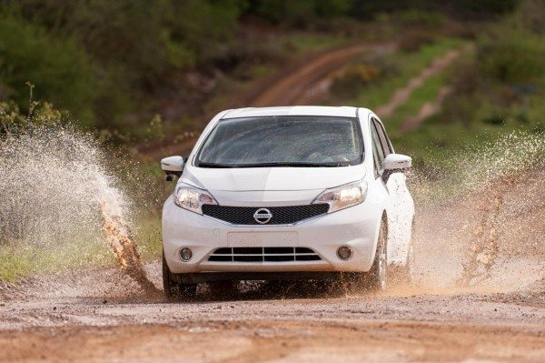 nissan-note-with-self-cleaning-paint