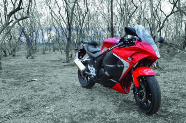 2013 hyosung gt250r facelift review images 1