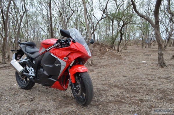 2013 hyosung gt250r review images (3)