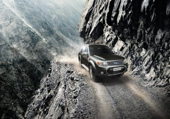 2014 ford endeavour facelift images 1