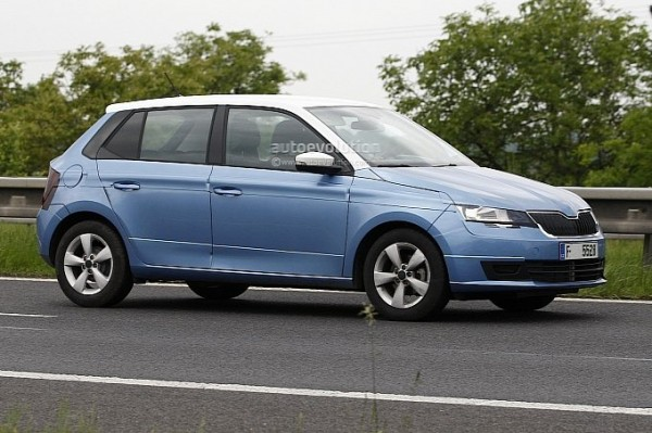 2014-skoda-fabia-spy-shot-clear-2