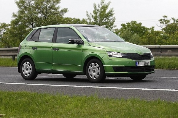 2014-skoda-fabia-spy-shot-clear-5