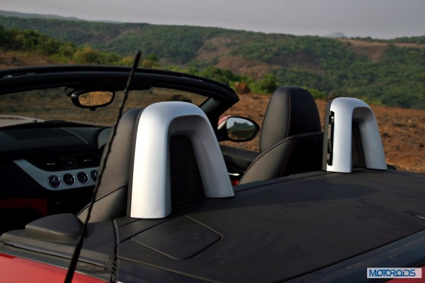 BMW Z4 review details india (10)
