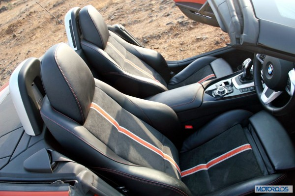 BMW Z4 sDrive 35i interior (1)