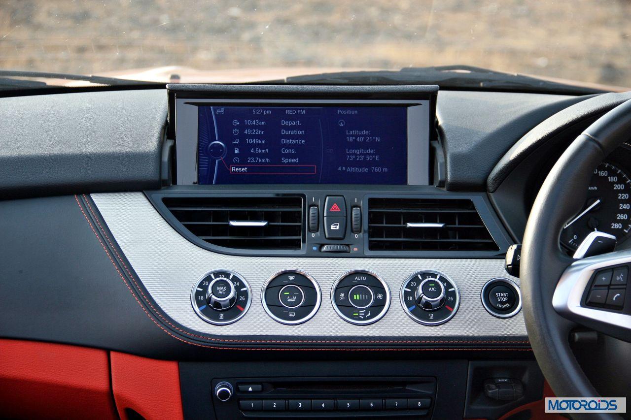 Bmw Z4 Sdrive 35i Interior 14 Motoroids Com