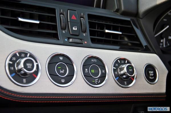 BMW Z4 sDrive 35i interior (18)
