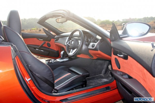 BMW Z4 sDrive 35i interior (3)
