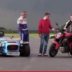Video: Caterham Seven 620R VS KTM 1290 Super Duke R, Who Wins?