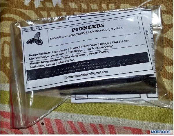 Helmet finger wiper packaging (10)