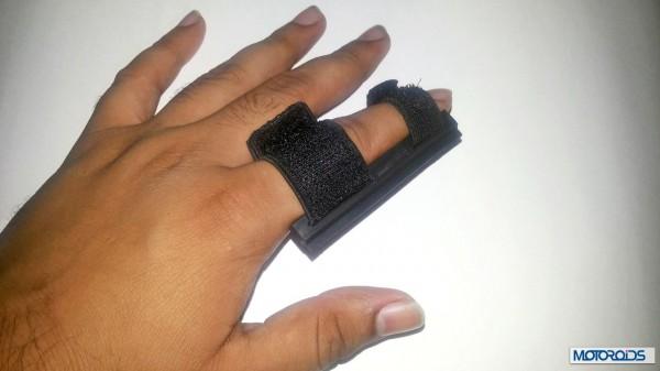 Helmet finger wiper packaging (9)