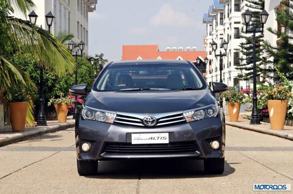 New 2014 Toyota Corolla Altis (1)