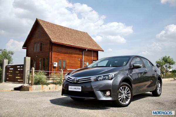 New 2014 Toyota Corolla Altis (2)
