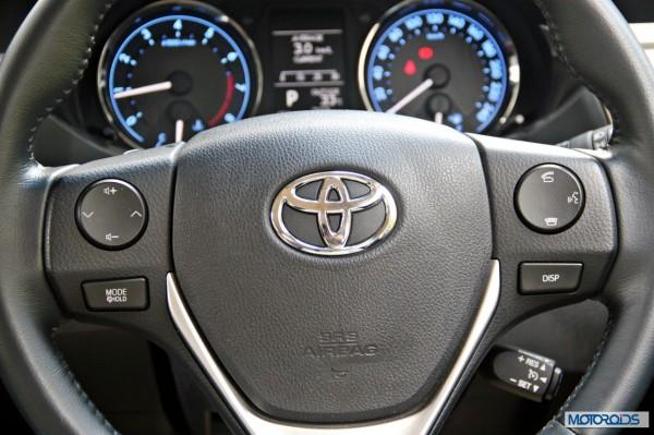 New 2014 Toyota Corolla Steering wheel (3)