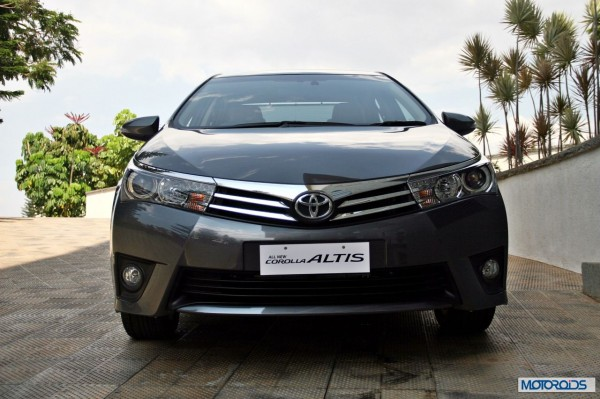 New 2014 toyota Corolla Altis India (14)