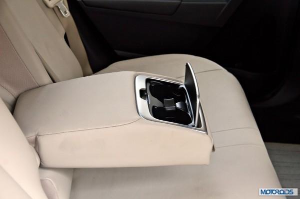 New 2014 toyota Corolla Altis India (8)