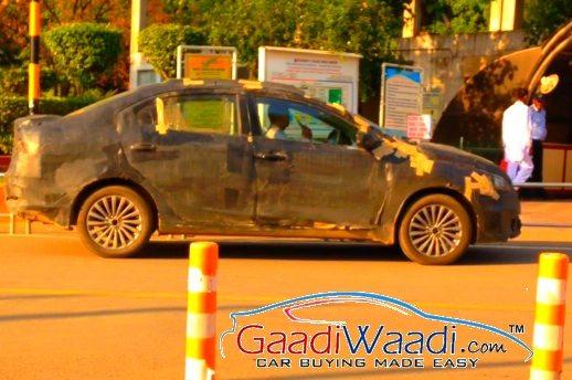 Spied-Maruti-Ciaz-Delhi-side