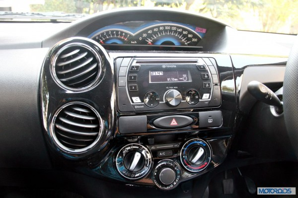 Toyota Etios Cross interior (2)