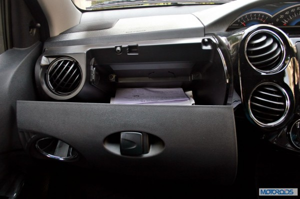 Toyota Etios Cross interior (5)