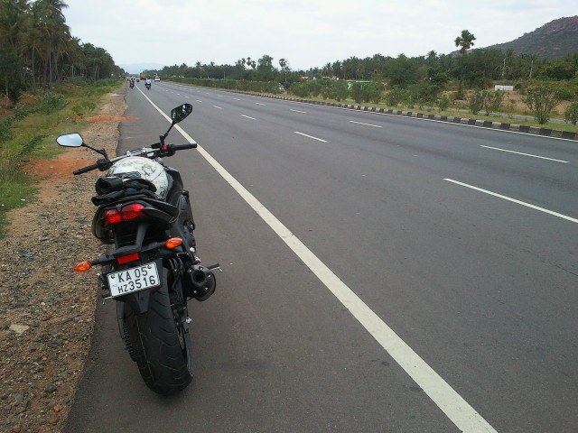Yamaha FZ1 India ride