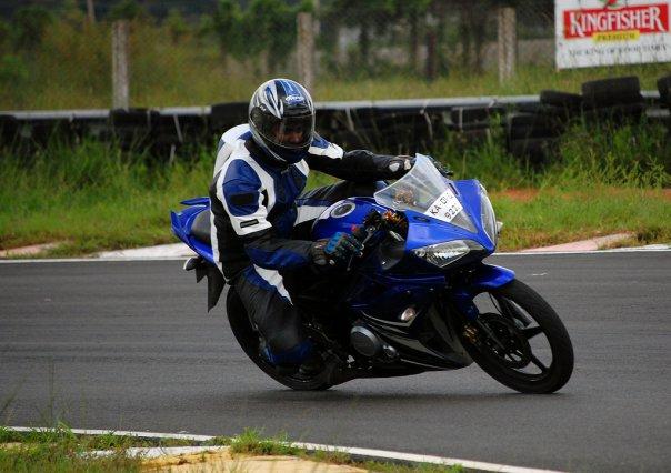 Yamaha R15 Chennai MMSC track