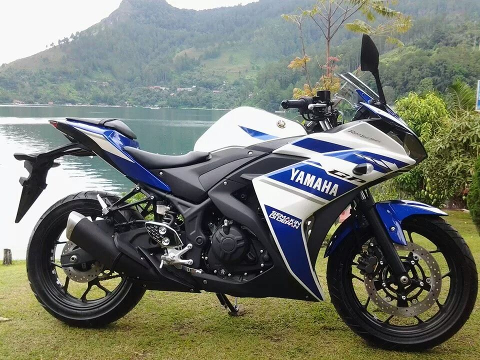 Yamaha YZF-R25 Design Review And First Impressions