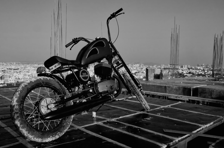 Jawa Yezdi Bobber Images 6 Motoroids Com