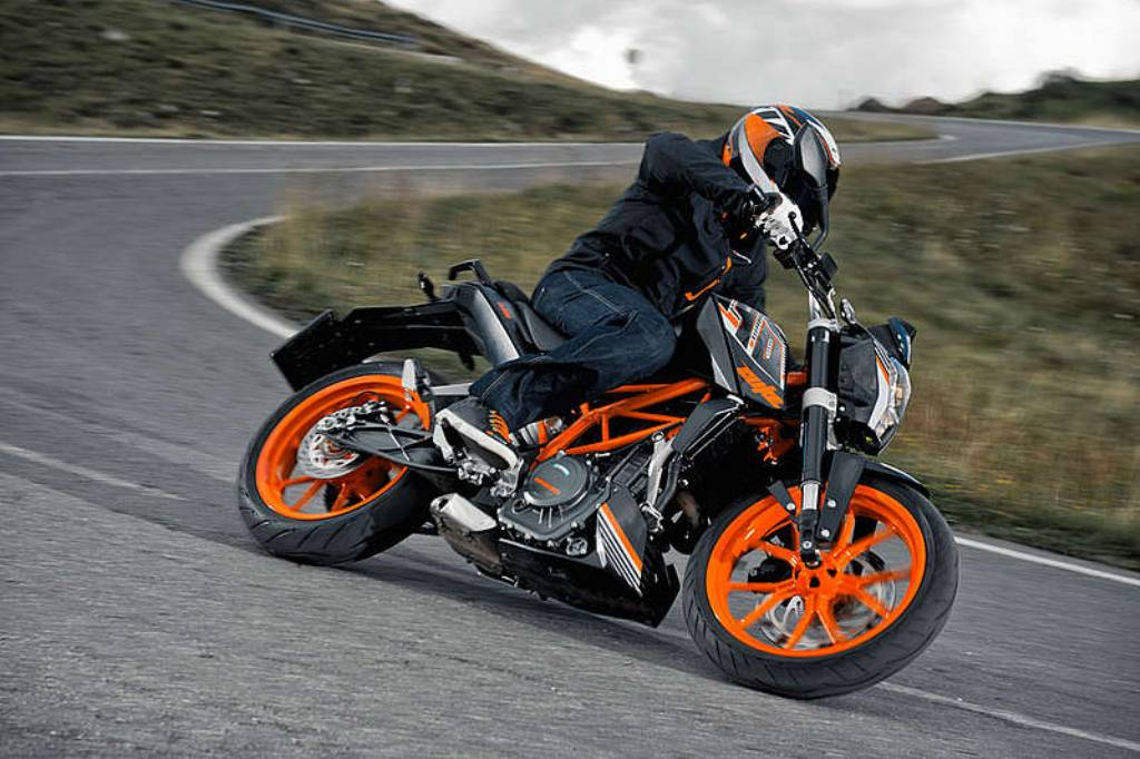 Why The Ktm Rc 390 Will Be The King Of The Performance Hill For A Long Time To Come Motoroids