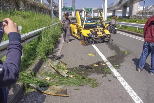 lamborghini diablo crash tokyo images 1