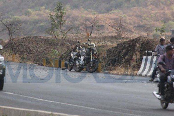 mahindra mojo images 2