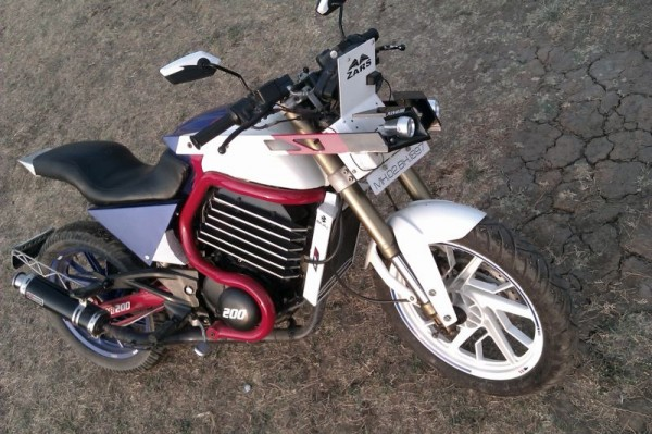 modified bajaj pulsar 200 zars 3